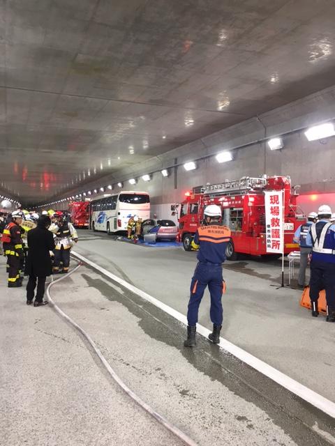 阪神高速道路消防訓練 合同訓練
